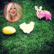 Tori Spelling hat ihren Hund zu Ostern eingefärbt
