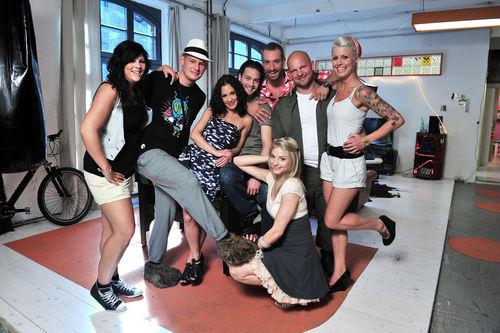 http://content4.promiflash.de/article-images/gallery-500/berlin-tag-und-nacht-die-ganze-wg.jpg