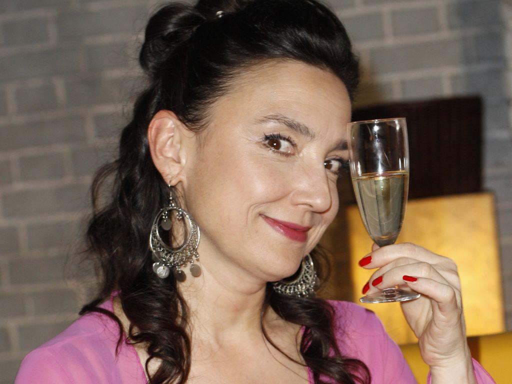 AWZ: Tatjana Clasing mit Sektglas