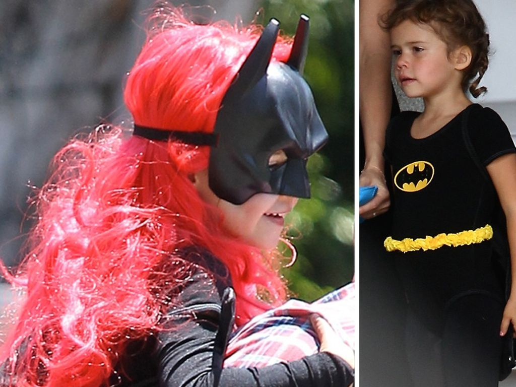 Honor Marie als Batgirl