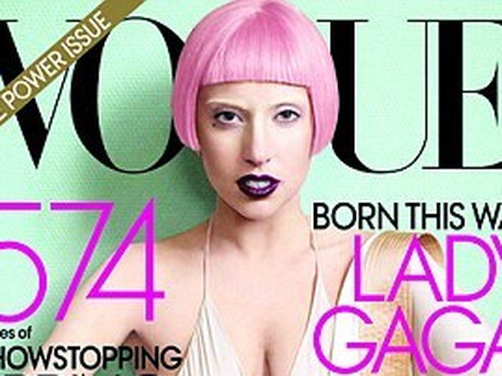 Lady GaGa auf der Vogue mit rosa Haaren