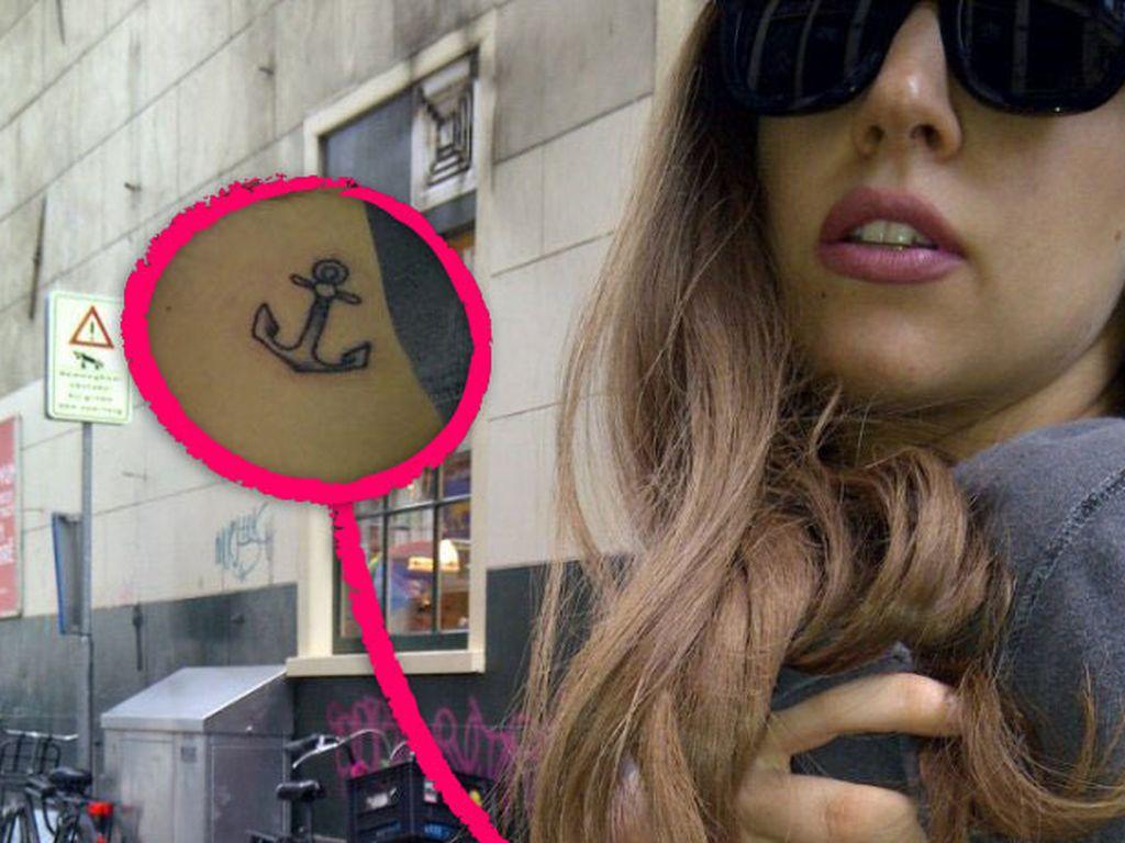 Lady GaGa mit einem neuen Tattoo