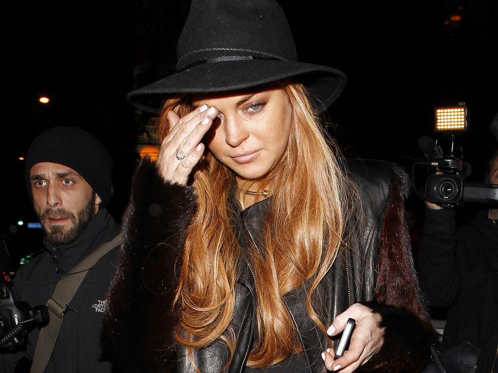 Lindsay Lohan niedergeschlagen nach Essen mit ihrem Anwalt