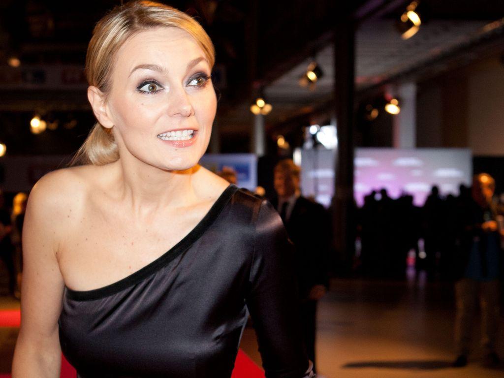 Martina Hill würde sich vor Kamera ausziehen | Promiflash.de