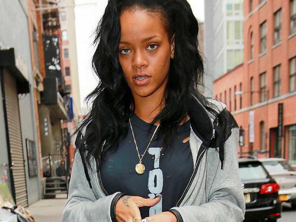 Rihanna sieht etwas fertig aus