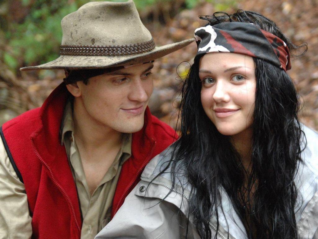 Rocco Stark und Kim Debkowski lächeln in die Kamera