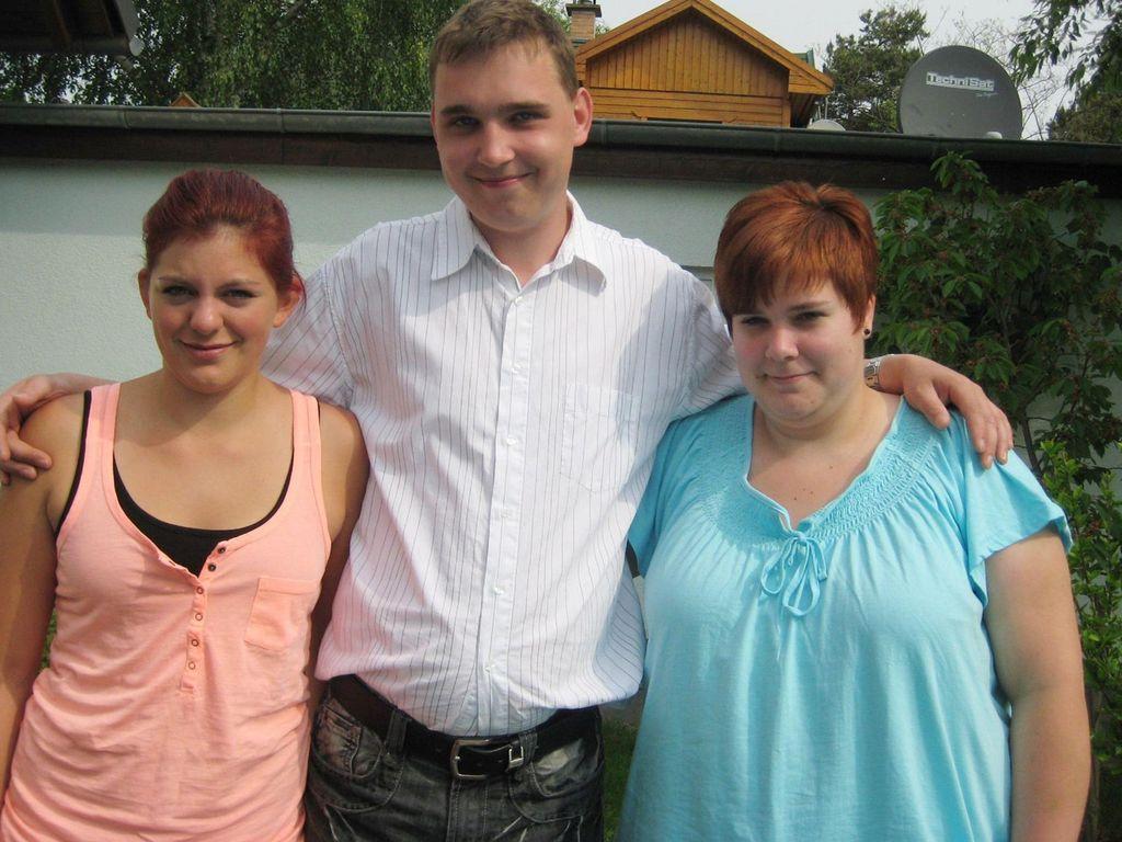 Schwiegertochter gesucht 2011: Andy mit Maria (links) und Melanie