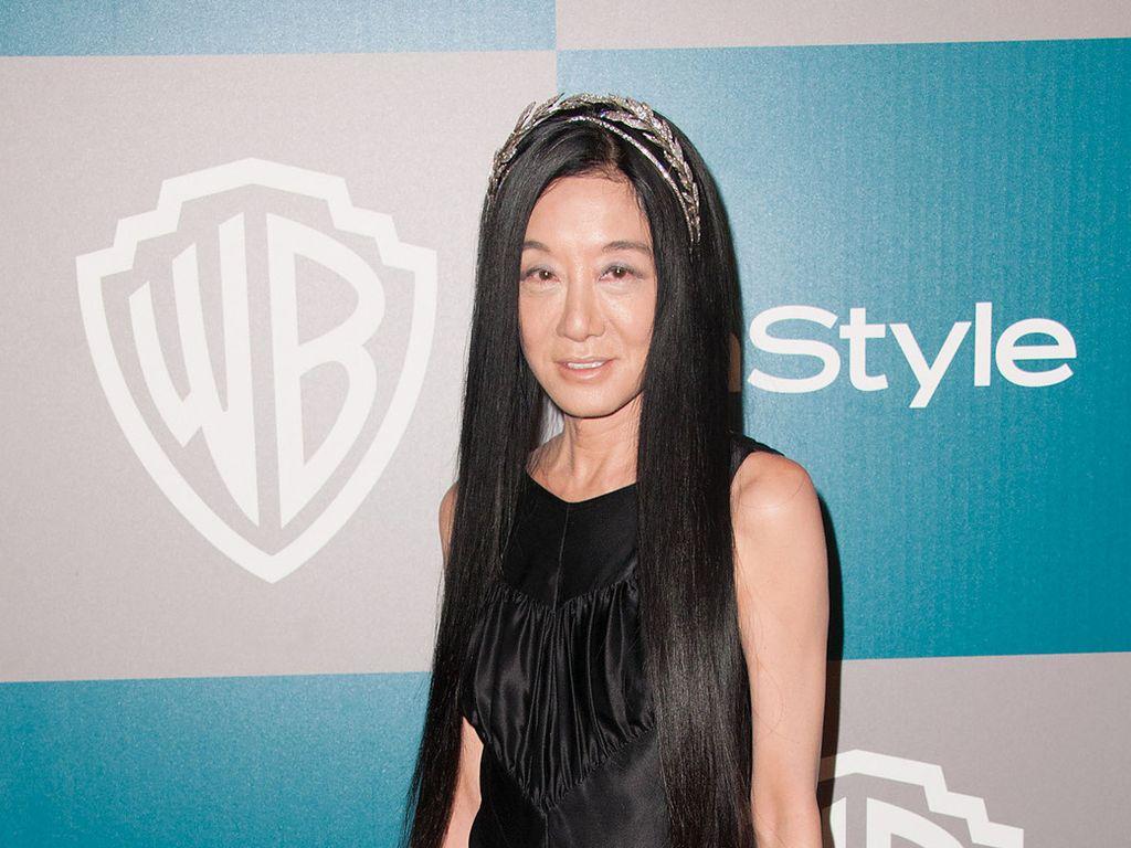 Vera Wang ganz in Schwarz