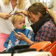 Hilary Duffs Sohn Luca bekam einen Haarschnitt