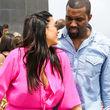 Kim Kardashian zieht alle Blicke auf sich