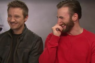 Jeremy Renner und Chris Evans scherzten im Interview etwas zu sehr herum