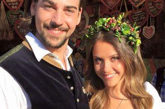 Patrick und Alisa feiern den Wiesnabschluss