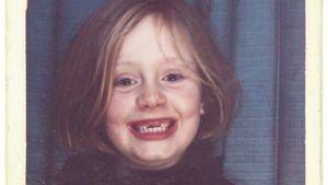 Adele als Kind mit Zahnlücke