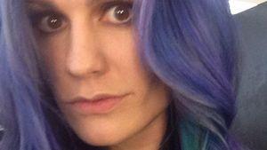 Anna Paquin mit lila Haaren