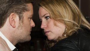 AWZ: Ingo (André Dietz) und Bea (Caroline Frier) kurz vorm Kuss