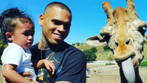 Chris Brown mit Tochter und Giraffe