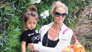 Denise Richards mit Adoptivtochter Eloise auf dem Arm