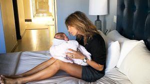 Elisabetta Canalis mit ihrem Neugeborenen