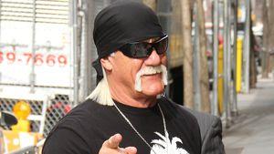 Hulk Hogan - zeigt mit dem Finger