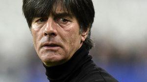 Joachim Löw schaut besorgt