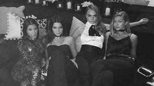 Kourtney Kardashian mit Kendall Jenner, Cara Delevingne und Gigi Hadid