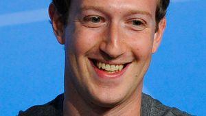 Mark Zuckerberg strahlt