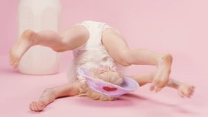 "Miley Cyrus im Video zu ""BB Talk"""