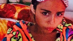 Miley Cyrus krank im Bett
