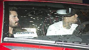 Scott Disick und Chris Brown in einem Auto