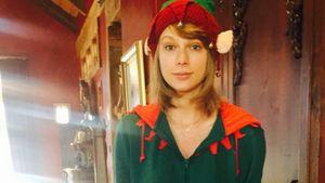 Taylor Swift als Weihnachtself