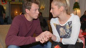 Vince (Vincent Krüger) und Sunny (Valentina Pahde) halten Händchen