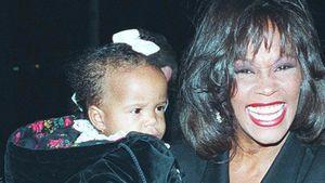 Whitney Houston mit Bobbi Kristina auf dem Arm
