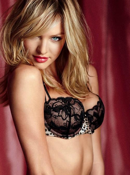 famosas en lenceria sexy: