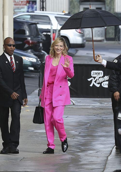 Regenwetter kann Schauspielerin Cate Blanchett nichts anhaben