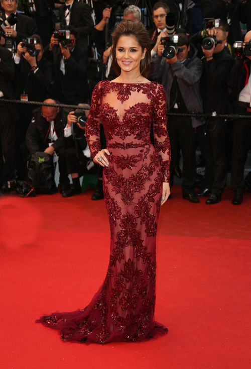 Cheryl Cole erschien in Cannes im dunkelroten Spitzendress