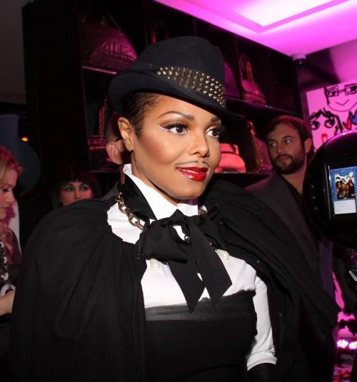 Das skurille Outfit trug sie zum Halloween-Maskenball in New York