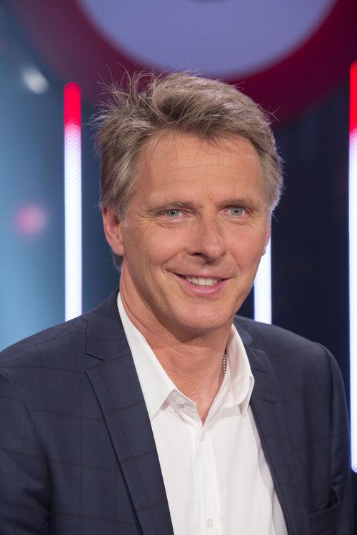 """Jörg Pilawa geht in """"Quizonkel.TV"""" mit gleich drei neuen Quiz-Formaten an den Start"""