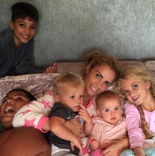 Katie Price genießt ihre freie Zeit mit ihren Kids