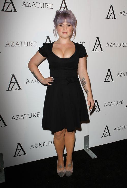 Kelly Osbourne posierte mit einem Mega-Ausschnitt