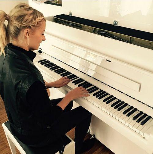 Lena Gerckes neue Liebe ist ein Klavier