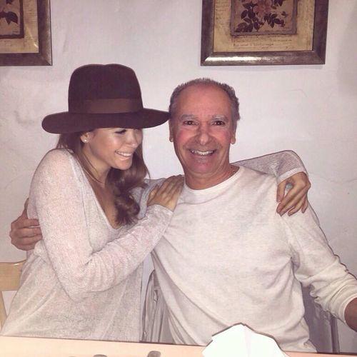 Mandy Capristo postete diesen schönen Schnappschuss von sich und ihrem Vater