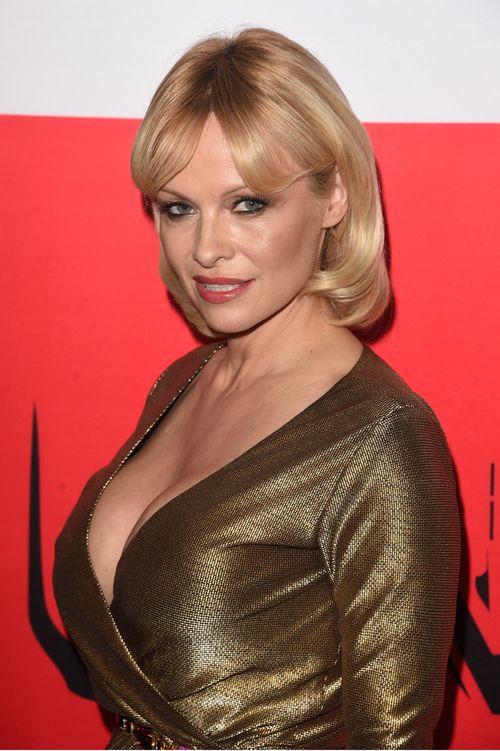 Pamela Anderson nackt Playboy zu verbreiten