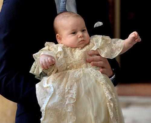 Wird Klein-George etwa ein Party-Prinz?