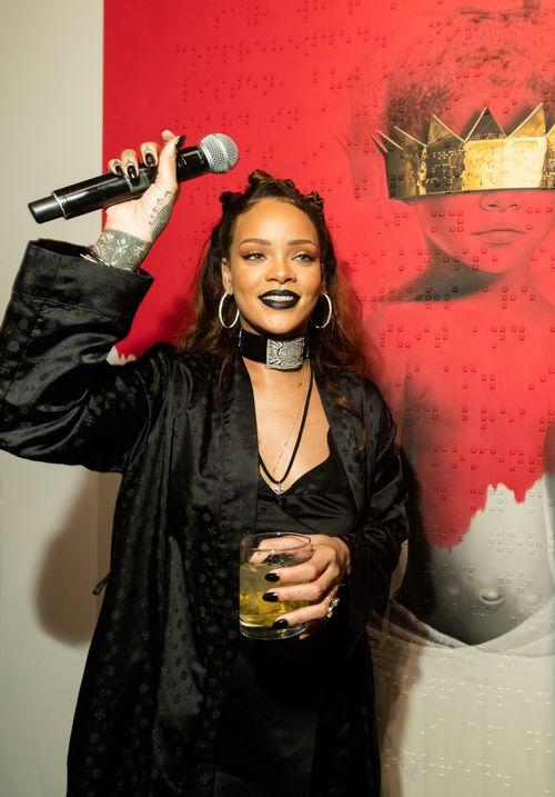 Rihanna hat auf einer Privat-Party den Titel und das Cover ihres neuen Albums enthüllt