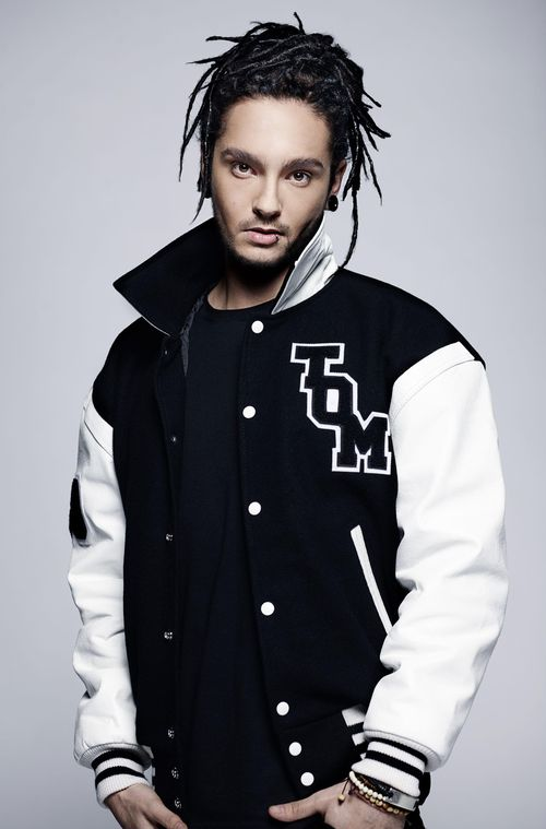 The 28-year old son of father Jörg and mother Simone, 186 cm tall Tom Kaulitz in 2018 photo