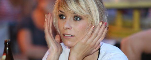 Annica Hansen guckt verzweifelt