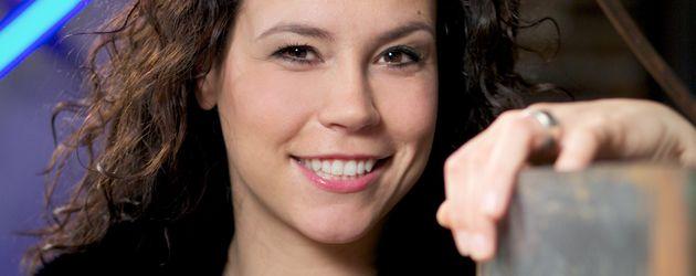 AWZ: Ulrike Röseberg in rot