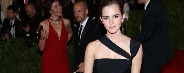Emma Watson in Cutout-Kleid