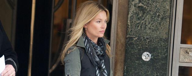 Kate Moss verlässt Haus