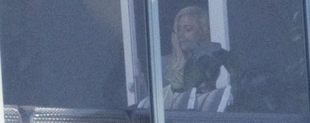 Lady GaGa auf dem Balkon